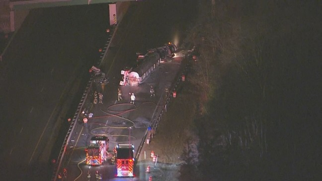 Route 24 south in Fall River reopens after tanker crash | WJAR