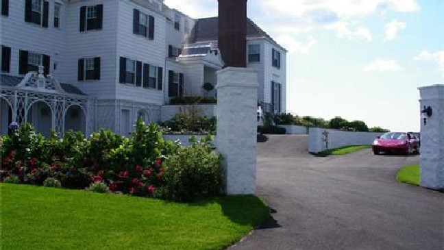 Report Taylor Swift Buys Watch Hill Mansion For 18 Million Wjar