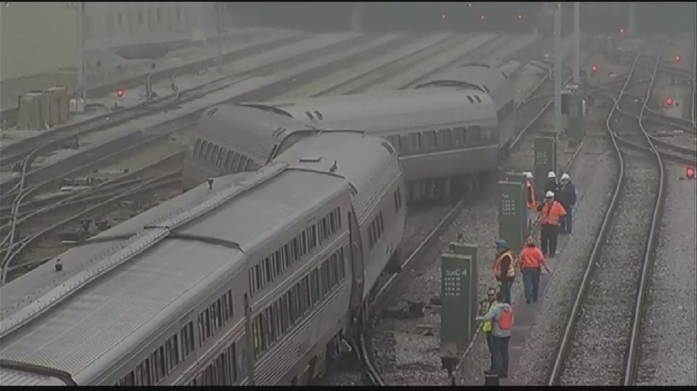 Amtrak train from Boston derails outside Chicago Union Station | WJAR